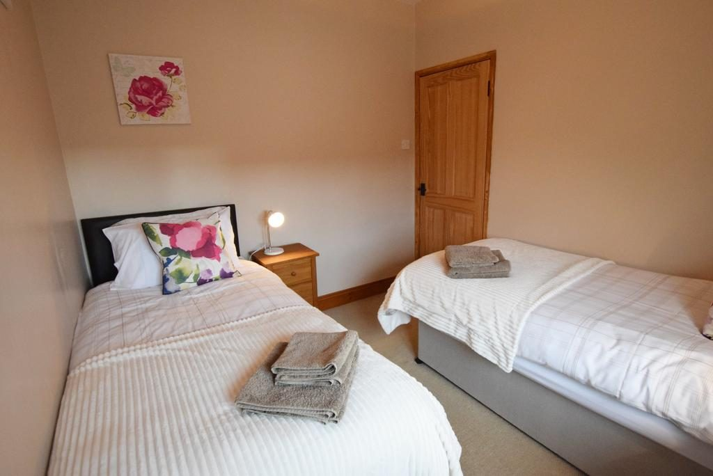 Portrush Holiday Home Visit Portrush nORTHEN iRELAND twin room