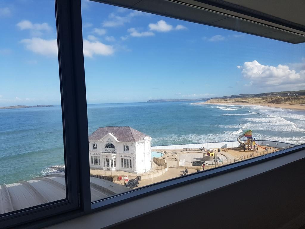 Ocean View Penthouse - bedroom with a view