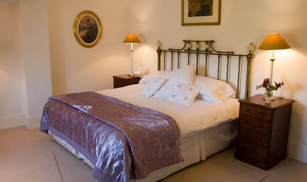 Shola Coach House B&B bedroom