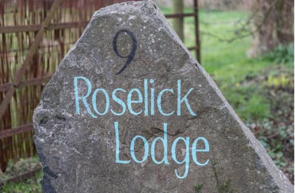 roselick lodge stone number