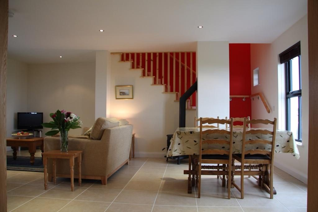 Bayview Farm Holiday Cottages living room & dining area