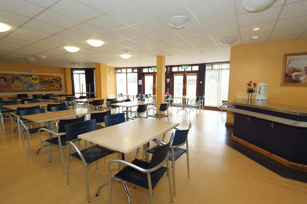 Bushmills Youth Hostel dining area
