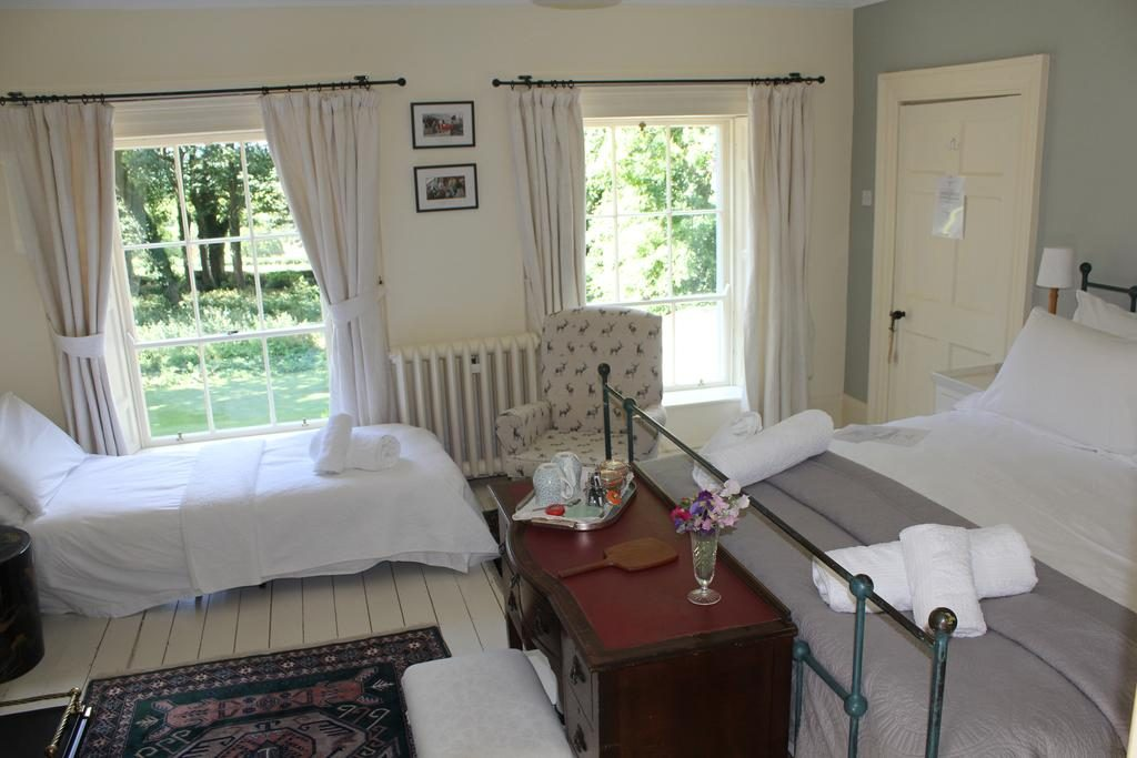 Dromore House Historic Country house bedroom 1