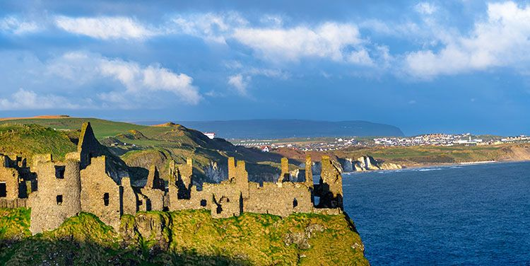 Dunluce Castle filming location of game of thrones
