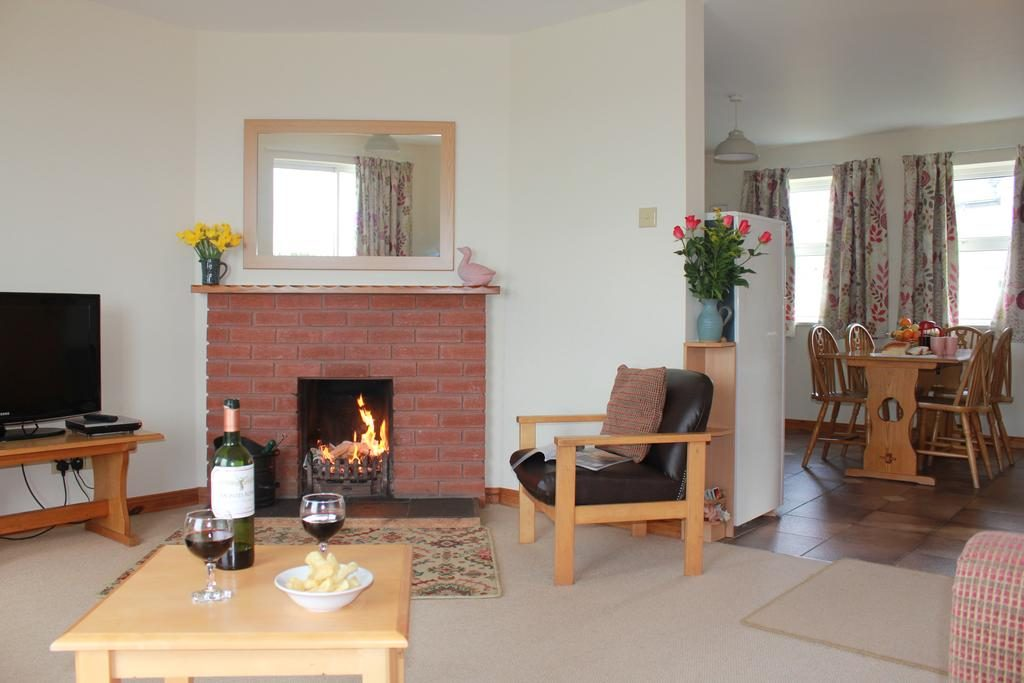 Giant's Causeway Holiday Cottages living room