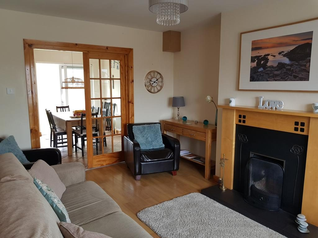 Millstone House family friendly holiday let in Portstewart - living room