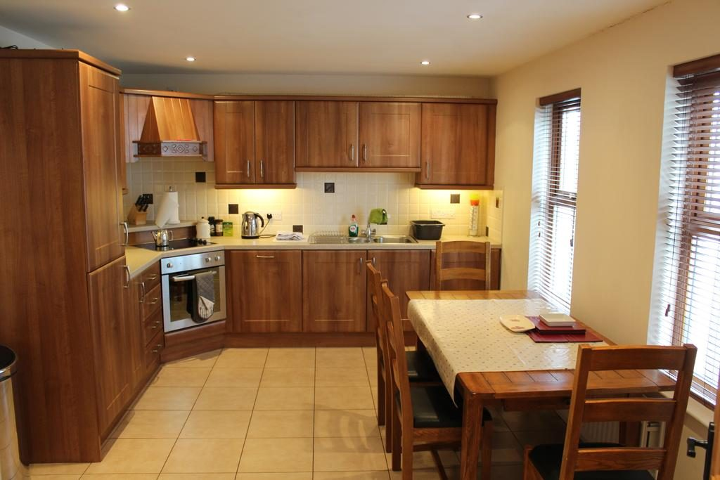 Self Catering Holiday Home - kitchen 2