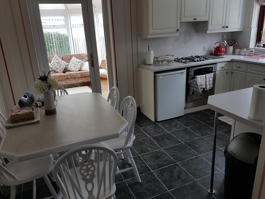 Willowfield kitchen & dining area