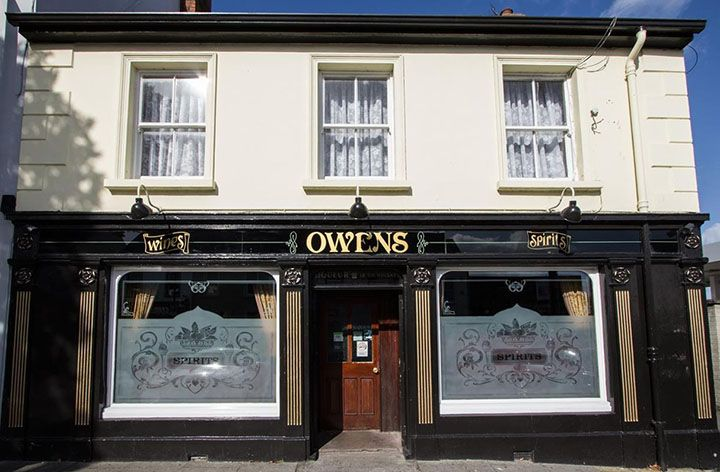 The exterior view of Owens bar in Limavady home to the game of thrones journey of the doors Number 5